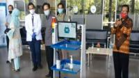 Robot Raisa Karya ITS-Unair Layani Pasien Covid-19