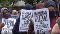 Kecam Presiden Prancis, Massa Demo di Depan Gedung Sate