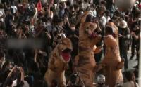 Pelajar Thailand Demo Besar-besaran Pakai Kostum Dinosaurus
