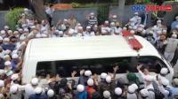 Gemuruh Takbir Sambut Kedatangan Jenazah Habib Ali
