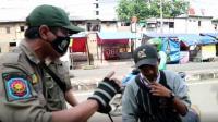 Pelanggar Razia Masker Terlibat Adu Mulut dengan Satpol PP di Gambir