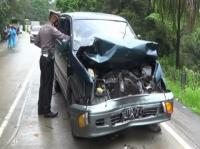 Diduga Rem Blong, Truk Boks Tabrak 5 Kendaraan