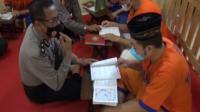 Tahanan Polda Jawa Timur Mengisi Kegiatan Ramadhan dengan Mengaji