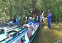 Petugas Bubarkan Warga yang Berwisata di Pesisir Pantai Tanjung Keluang