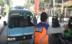 Astaga, Bocah Bau Kencur Jadi Sopir Angkot di Mangga Dua
