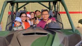 Kepincut Mobil Tempur, Anang-Ashanty Beli Maung