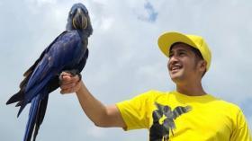 Kocak, Irfan Hakim Pontang-panting Dikejar Burung Unta