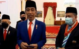 Jokowi Beri Bintang Kehormatan ke Fahri Hamzah dan Fadli Zon