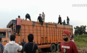 47 Paket Sabu-Sabu Diselundupkan di Balik Tumpukan Kelapa