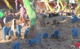 Viral Kuburan Warna-warni di Sidoarjo, Pagarnya Mirip Benteng Majapahit