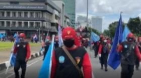 Demonstran UU Cipta Kerja Mulai Kumpul di Tugu Tani