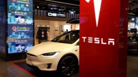 Tesla Catat Laba Lima Kuartal Berturut-turut
