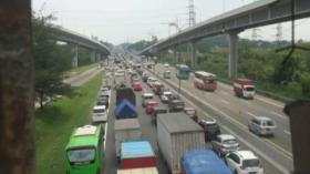 Libur Panjang, Tol Jakarta Cikampek Macet Parah