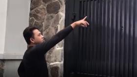 Aksi Maling Satroni Rumah Wartawan Okezone Terekam CCTV