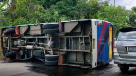 Bus Terbalik di Muara Enim, Puluhan Penumpang Luka-Luka