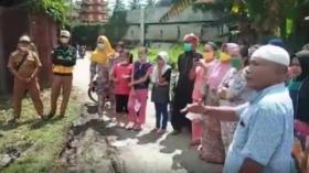 Emak-Emak Gerebek Lokasi Judi Tembak Ikan di Pekan Labuhan, Medan