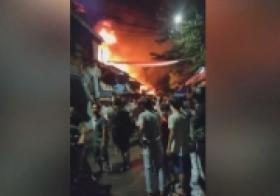Kebakaran Dekat Rumah Rizieq Shihab, 14 Unit Damkar Dikerahkan