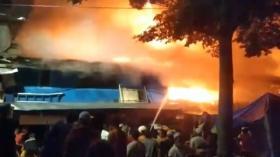 Kebakaran Dekat Rumah Rizieq Shihab, Puluhan Keluarga Kehilangan Rumah