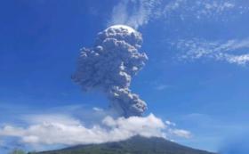 Gunung Ile Lewotolok Kembali Semburkan Abu Vulkanik