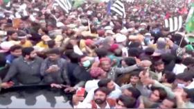 Demo Besar-besaran di Pakistan, Tuntut Perdana Menteri Mundur