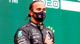 Pembalap Formula 1 Lewis Hamilton Positif Covid-19