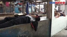 Mogok Berjualan, Puluhan Pedagang Daging Aksi Tidur Massal