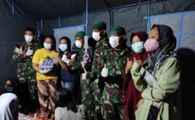 Bayi Perempuan Lahir Secara Normal di Pengungsian Gempa Mamuju