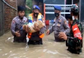 Banjir Cirebon, Puluhan Warga Dievakuasi