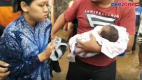 Ibu dan Bayi di Lumajang Dievakuasi dari Jebakan Banjir