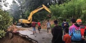 Jalan Penghubung Antar Kabupaten di Sulsel yang Amblas Diperlebar