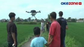 Canggih, Penyemprotan Pupuk Menggunakan Drone