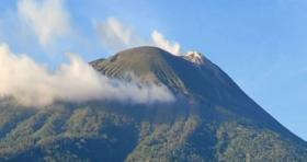 Gunung Api Ile Lewotolok di Lembata NTT Kembali Erupsi