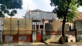 Lokasi Bangunan Roboh di Benhil, Jakarta Pusat Dipasang Garis Polisi