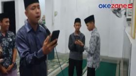 Sekelompok Pemuda Ini Bangunkan Sahur dengan Nyanyian Merdu