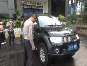 Heboh Mobil Kerajaan Sunda Nusantara yang Tak Lazim