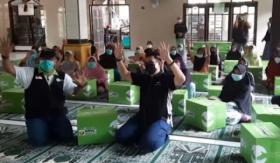 MNC Peduli dan IZI Berbagi Paket Sembako Gratis di Bogor