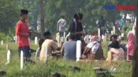 Warga Ngamuk Dilarang Berziarah di TPU Tegal Alur, Jakarta