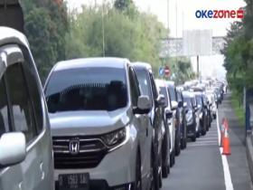 Antrean Panjang di Gerbang Tol Pasteur Didominasi Mobil Plat Jabodetabek