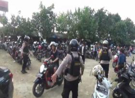 Polisi Bubarkan Wisatawan di Pantai Bandulu