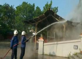 Rumah Lilin Klenteng Sam Poo Kong Terbakar