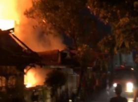 2 Unit Rumah di Perumahan Jatimulya Ludes Terbakar