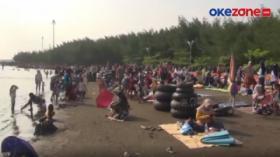 Pembubaran Kerumunan Warga di Lokasi Wisata Pantai Bandulu