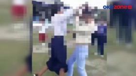 Aksi Baku Hantam 2 Pelajar Putri Berseragam