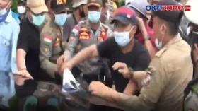 Aksi Demonstran di Lampung Utara Hadang Mobil Bupati