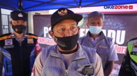 Kades Rela Jadi Sopir Ambulan Antarkan Warganya yang Positif Covid-19 ke RS
