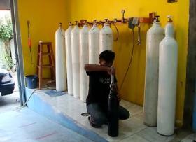 Isi Tabung Oksigen, Warga Bisa Bayar Sukarela di Matraman
