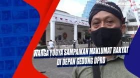 Warga Yogya Sampaikan Maklumat Rakyat di Depan Gedung DPRD