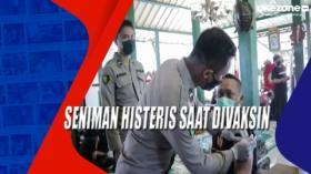 Seniman Histeris Saat Divaksin di Semarang, Jateng