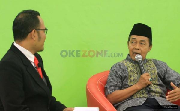 """Sekjen Asosiasi pedagang Pasar Seluruh Indonesia Ngadiran (kanan) dalam Redbons Discussion di Redaksi Okezone.com. Gedung iNews TV, Jakarta, Kamis (18/5/2017). Diskusi mengangkat tema """"Harga Melejit, Rakyat Menjerit""""."""