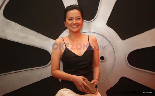 Artis Cut Mini Theo saat berada di red carpet Indonesian Movie Actors Awards (IMAA) 2017 di MNC News Center, Jakarta, Kamis (18/5/2017).